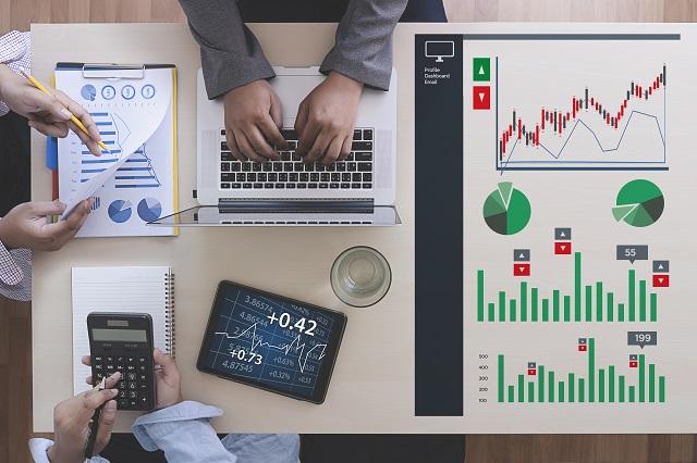 InfoPiek prognoza sprzedaży grupowa analiza sprzedaży